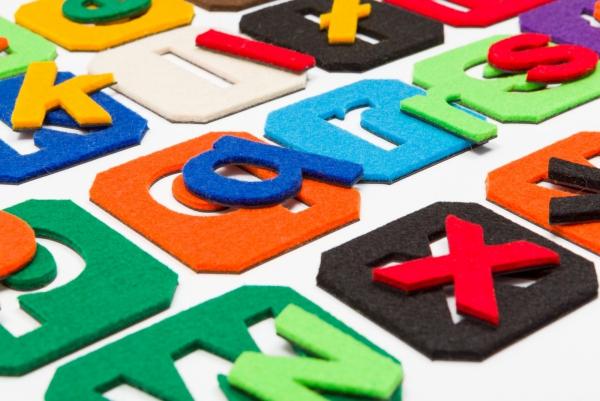 Alfabet magnetyczny z filcem małe litery - kafelki